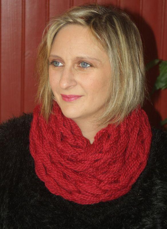 Snood 2 tours rouge amarante : Echarpe, foulard, cravate par magalie-tissot-creations