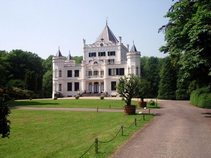 castle sandenburg netherlands - visit shop.holland.com/books for books about Dutch design, culture, nature and architecture