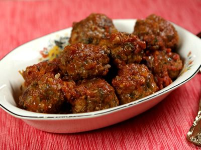 Turkey Meatballs. Get this recipe from the Kimberly's Simply Southern episode on GAC >> http://www.greatamericancountry.com/living/food/turkey-meatballs?soc=pinterest