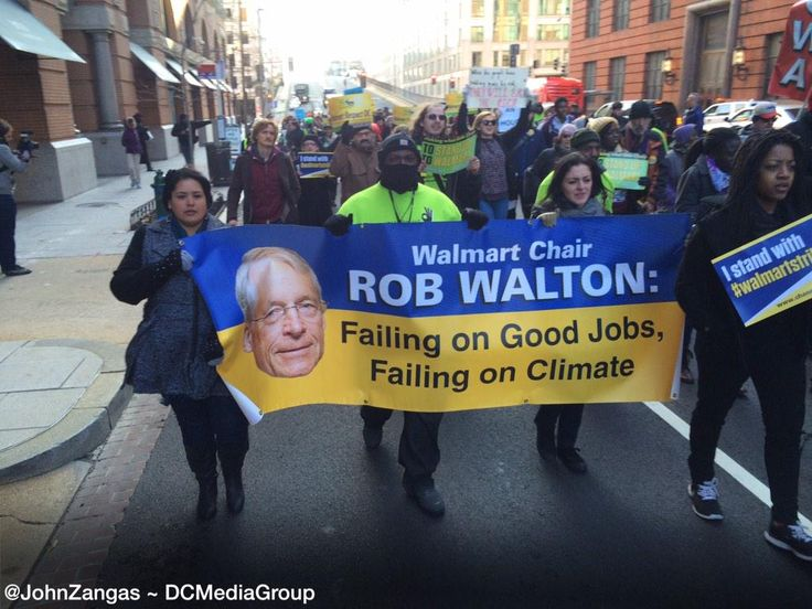john zangas on Twitter ||  #WalmartStrikers nearing #Walmart in NW Wash DC. #BlackFriday protests are in support of #Ferguson