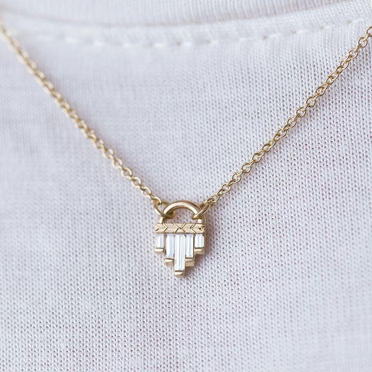 Art Deco Diamond Necklace with Baguette Cut Diamonds – S