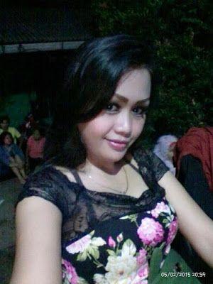 Situs Info Tante Kaya: Tante mira pengen teman