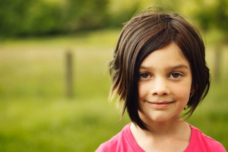Photos : 20 coiffures courtes pour petites filles | Cheveux courts fillette, Coupes de cheveux ...