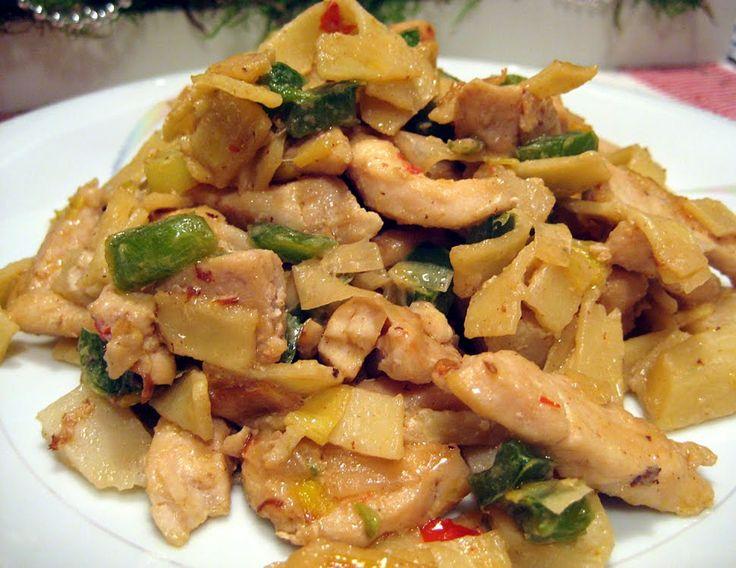 Indonesisk kycklingpasta (Viktväktare) - http://www.mytaste.se/r/indonesisk-kycklingpasta-viktv%C3%A4ktare-11857787.html