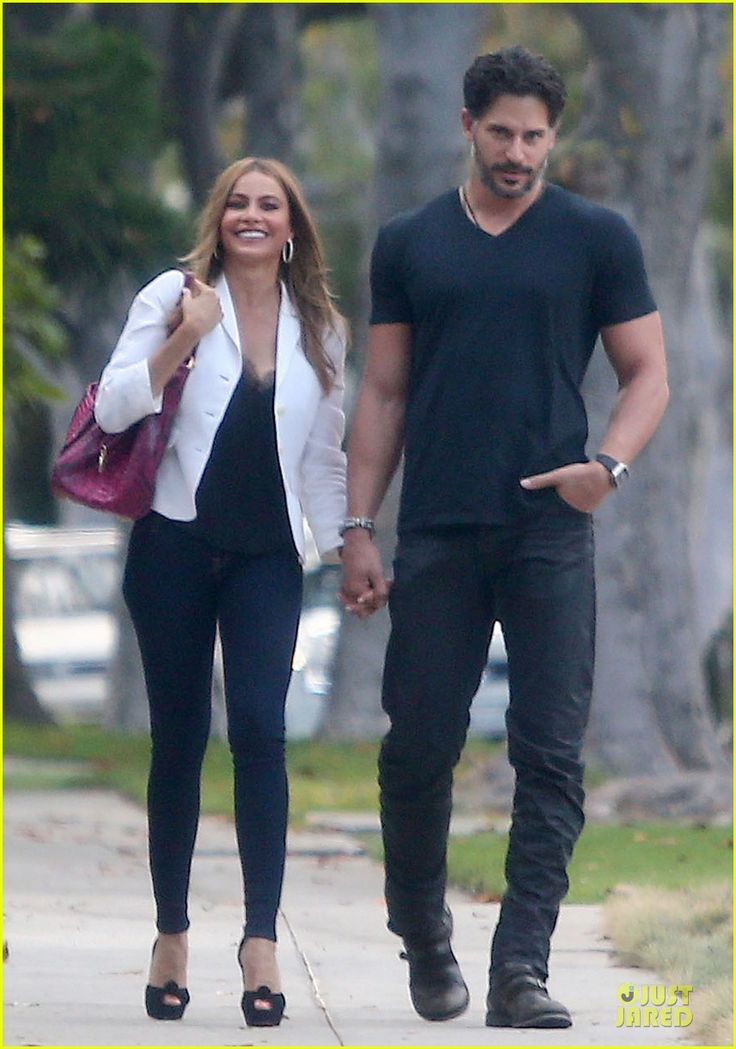 sofia vergara smile while holding hands with joe manganiello 03 Sofia Vergara is all smiles while holding hands with her new boyfriend Joe Manganiello during a romantic stroll last week in Beverly Hills, Calif.    The 42-year-old…