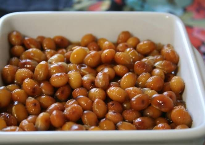Boiled Roasted Soybeans Recipe -  Yummy this dish is very delicous. Let's make Boiled Roasted Soybeans in your home!