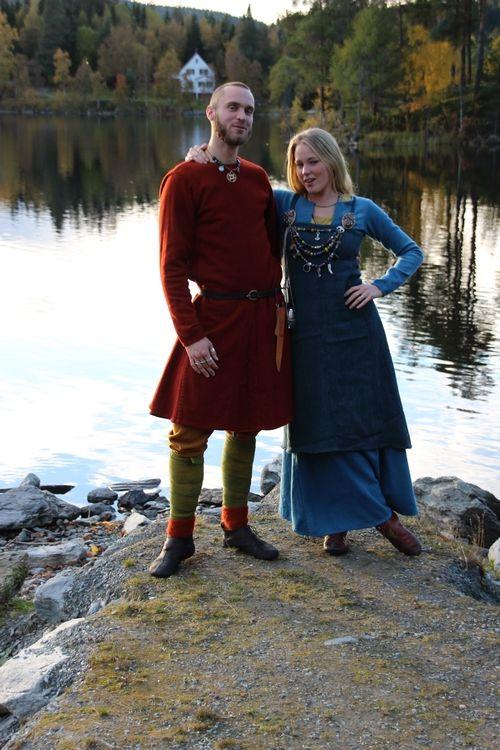 Viking costuming (Vikingsnitt) great detail pics