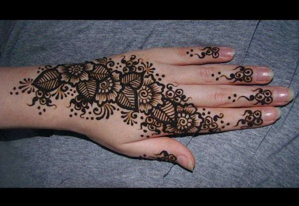 Amelia henna