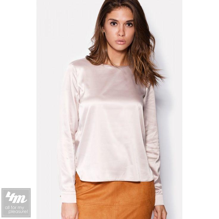Блуза Cardo «OPS»  Состав: Полиэстер - 95%, Вискоза - 5% (атлас)  Атласная блуза станет незаменимым элементом гардероба стильных девушек. Блуза имеет простую форму, а значит, легко сочетается с любыми брюками и юбками. Длинные рукава блузы застегиваются пуговицей на манжете, в то время как сама блуза застегивается пуговицей над вырезом-капелькой по спинке.  Для выбора размера и цвета перейдите по ссылке: http://lnk.al/2EDC