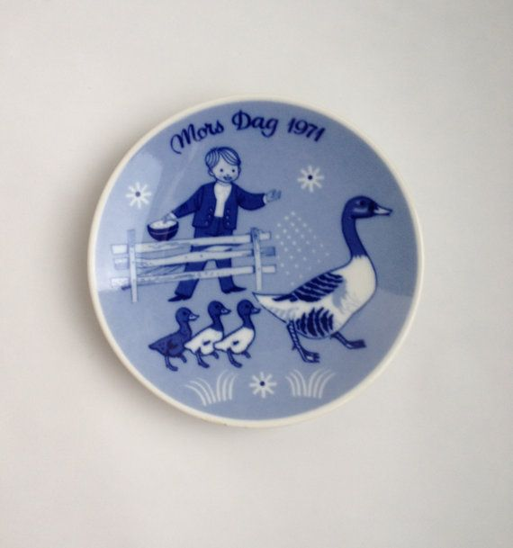 Vintage Ring Dish 1970's by Mors Dag Norway / by JerseyPortare
