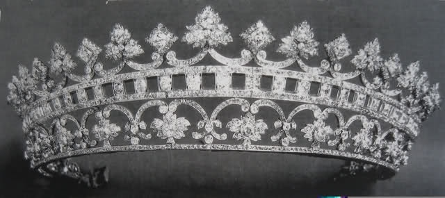 Queen Victoria's strawberry leaf tiara