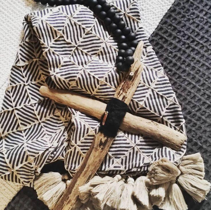 Inspiration in store at Saltwater.. x #interiors #inspiration #throws #linen #handcrafted ##handmade #driftwood #beach #summer #beachhouse #homedecor #bedroom #coastal #sorrento #styleblogger #styling #wallart #morningtonpeninsula #saltwateronline