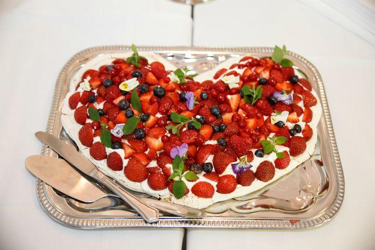 Pavlova wedding cake  by blogliebling.dk