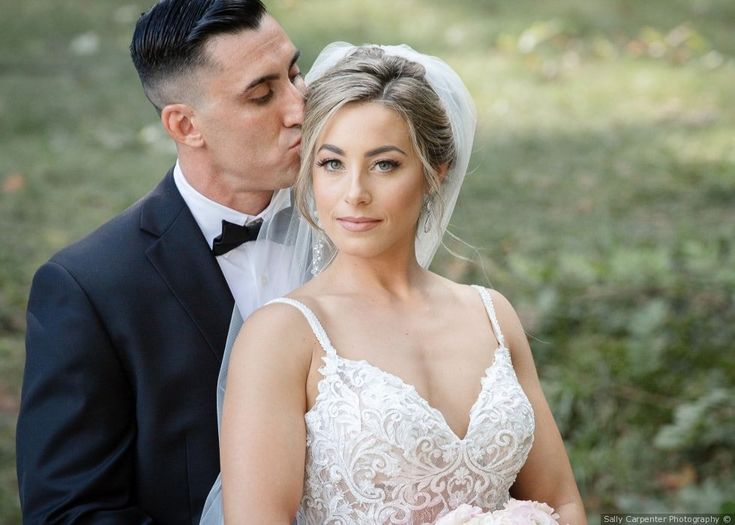 Elegant updo hairstyle with long veil + natural makeup inspiration {Sally Carpenter Photography}