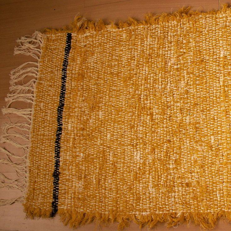 tkaný kobereček - hadrák - žlutý a 2 černé pruhy