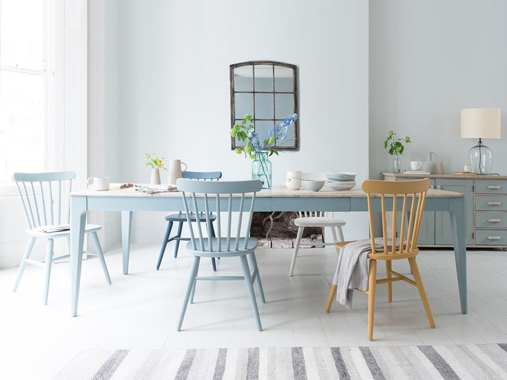Like your table Medium, Large or Extra Large? Our extendable Tucker, with its reclaimed fir top and soft grey legs, is a flexible one-size-fits-all. Dig in!