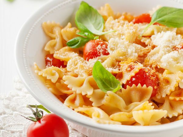 Hot Pasta: A plate of piping hot pasta can be comforting when the weather outside is nippy. So dig into a sinful pasta dish that will cheer you up for sure.