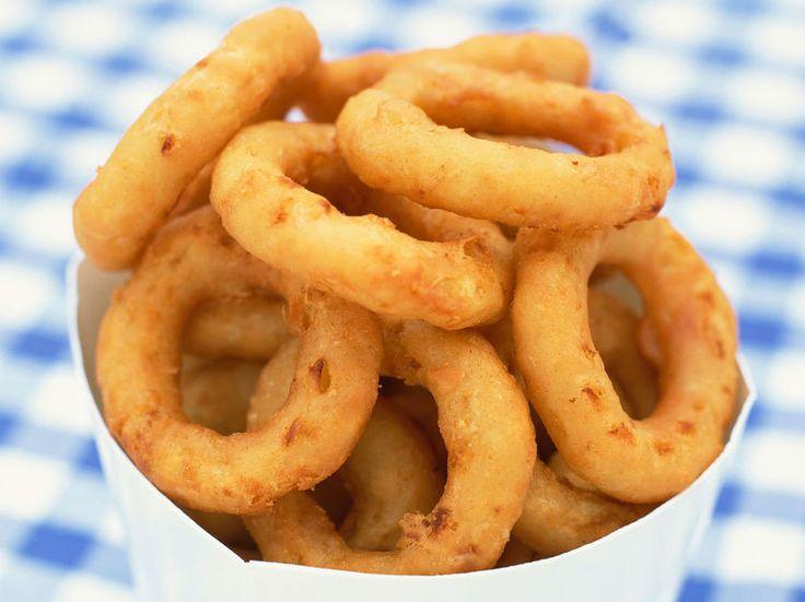 Découvrez la recette Beignets de calamar frits au citron sur cuisineactuelle.fr.