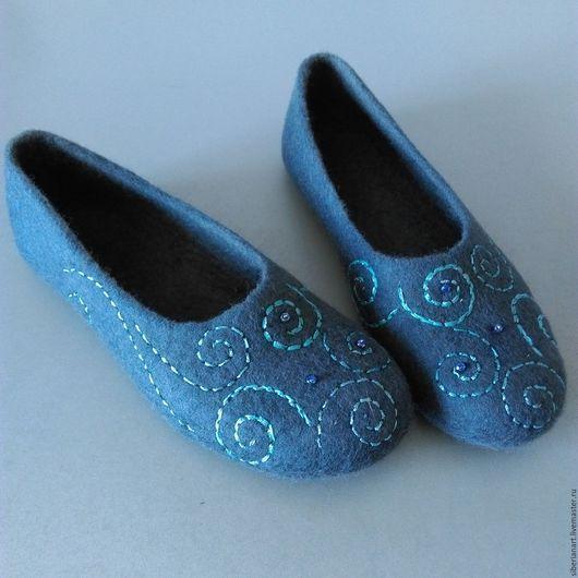 """Обувь ручной работы. Ярмарка Мастеров - ручная работа. Купить Тапочки валяные """"Сумерки"""". Handmade. Серый, тапочки валяные"""