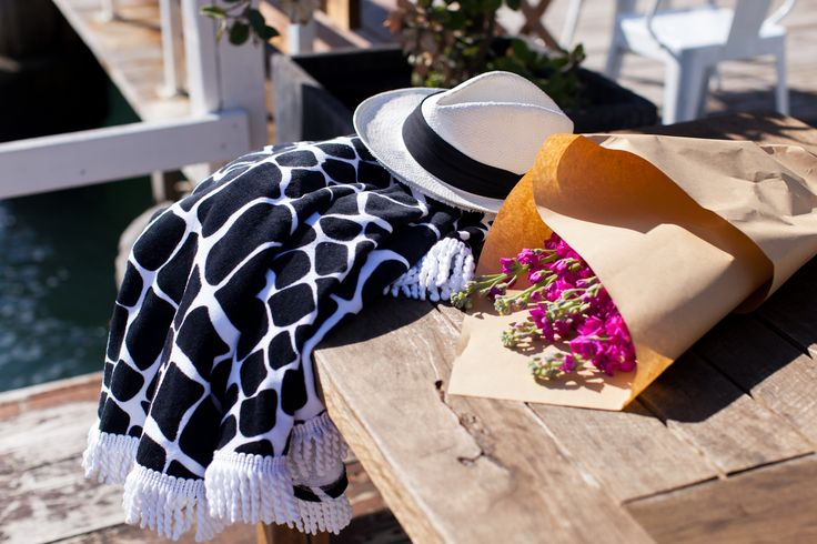 our new round beach towels: Cape Town in black & white