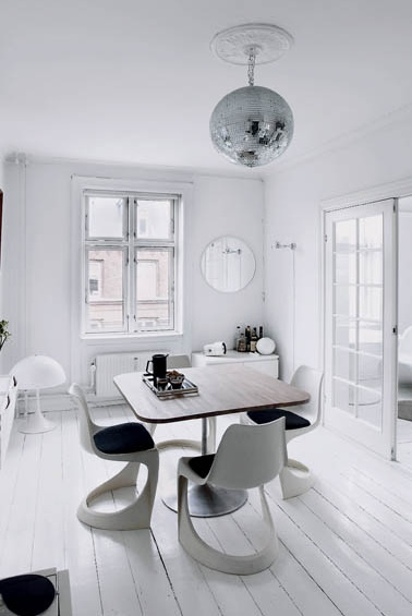 Scandinavian dining room with vintage accent