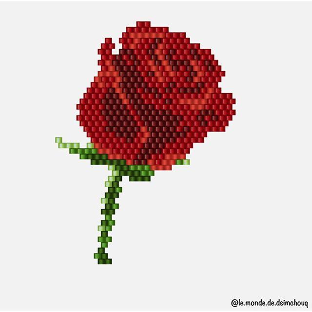 • Motif Dsimchouq • Une petite rose pour ma môman #motifdsimchouq #jenfiledesperlesetjassume #jenfiledesperlesetjaimeca #perlezmoidamour #perlesaddictanonymes #perlesaddict #perlesmiyuki #miyuki #beads #miyukibeads #miyukiaddict #miyukidelica #tissage #tissageperles #perles #brickstitch