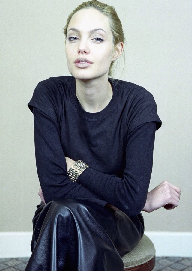 Angelina Jolie's photo call for Girl, Interrupted (1999)