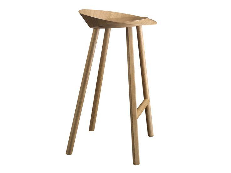 Taburete de bar de madera ST10 JEAN by e15 | diseño Stefan Diez