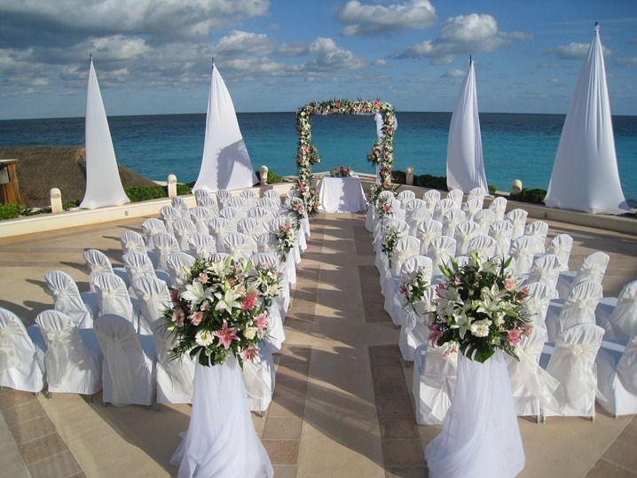 Decoraci n de bodas elegantes en la playa para m s for Decoracion de pared para novios