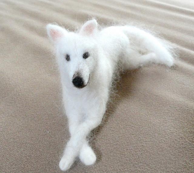 Needle felted dog by Claudia Mari2, via Flickr