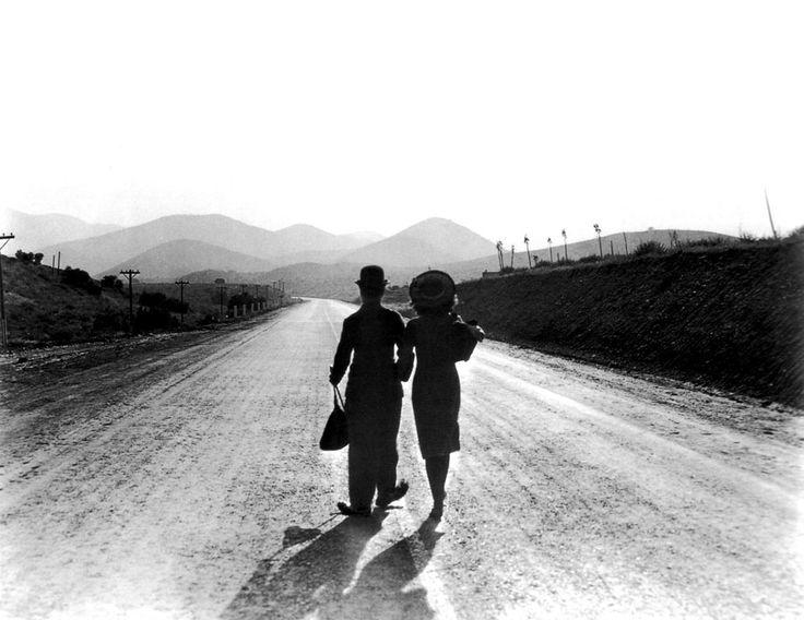 Charlie Chaplin and Paulette Goddard in Modern Times (1936, dir. Charles Chaplin).