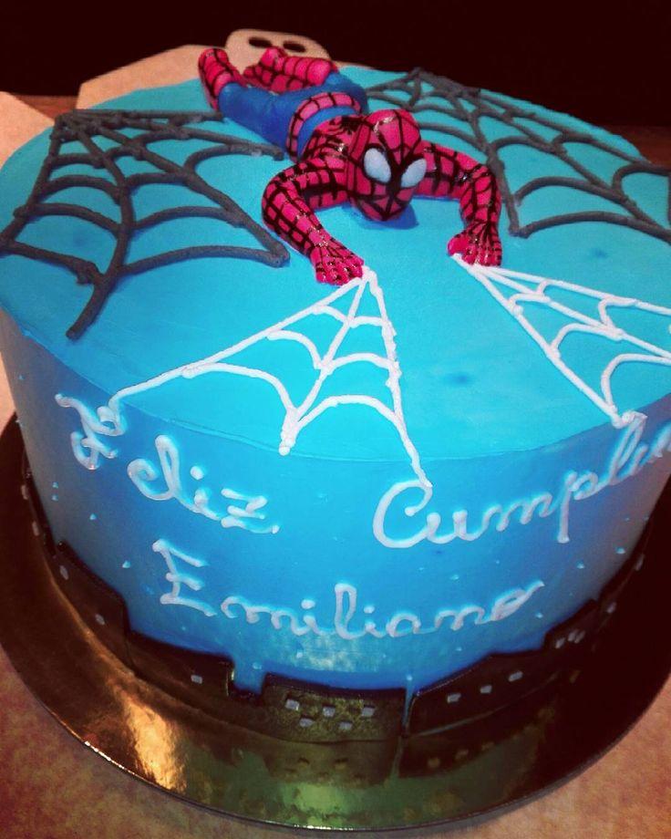 #hombrearaña #spiderman #araña #torta #pastry #pasteles #pastel #pasteleria #chef #pasion #megustalacocina #felicidades #felizcumpleaños #fondant #figurasdeazúcar #crema
