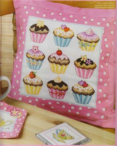 Gráficos Ponto Cruz Cozinha Os cupcakes aparecem pela primeira vez mencionados num livro de receitas que data de 1828 de Eliza Leslie.