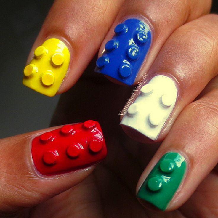 """Nail Art Lego: la nuova tendenza unghie 2014 Avete presente i coloratissimi mattoncini Lego con cui molti di noi si divertivano da piccoli? In occasione della proiezione del film """"Lego Movie"""" in moltissime sale cinematografiche del mondo, si è cominciata a diffondere la moda della Lego Nail art ispirata al …"""