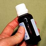 Artikel über die Nebenwirkungen von Teebaumöl  http://www.experto.de/b2c/gesundheit/naturheilkunde/teebaumoel-koennen-sie-es-bedenkenlos-verwenden.html