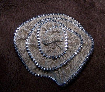 Giveaway and a Zipper Rose Tute