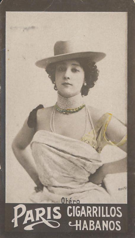 La belle Otero, 1910-15; cigarette card Habanos, foto di Reutlinger