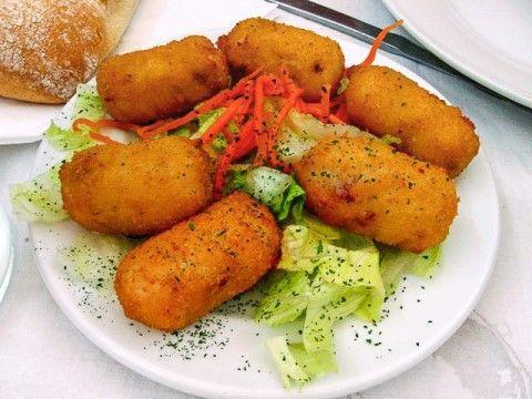 Croquetas de pollo asado, ideal para aprovechar las sobras de pollo   #Croquetas #RecetasDeCroquetas #CocinaEspañola #RecetasEspañolas #ComidaEspañola  #UnaReceta