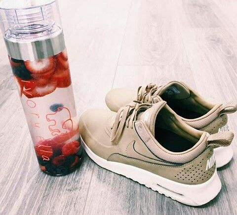 59489f9bd918 Ivory Ella water bottle and nike shoes