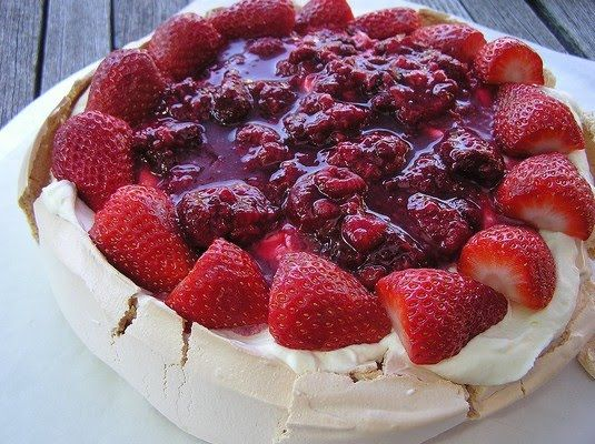 Pavlova Cake with Thermomix