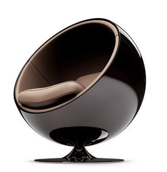 [Eero Aarnio 1965] A local mid-century vintage store, Hooper's, used to have a pair of these in red and in white. Awesome atomic space-age, and so completely different than anything before. I would love to read a book and listen to music, cocooned in the womb of this space-ship chair! #ChairDesign