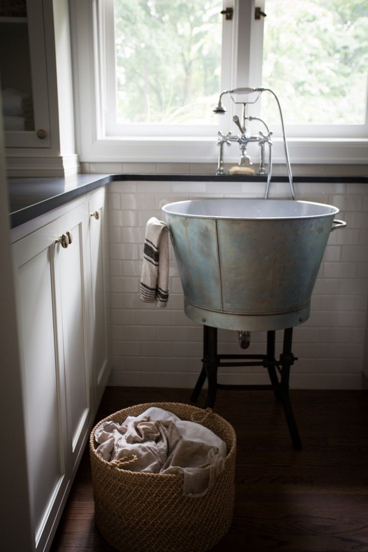 Pattern Language A Textiles Enthusiast At Home In Ann Arbor Wash Tubs Pottery And Metals
