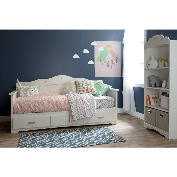 25 best ideas about girls daybed on pinterest girls daybed room girls room paint and. Black Bedroom Furniture Sets. Home Design Ideas