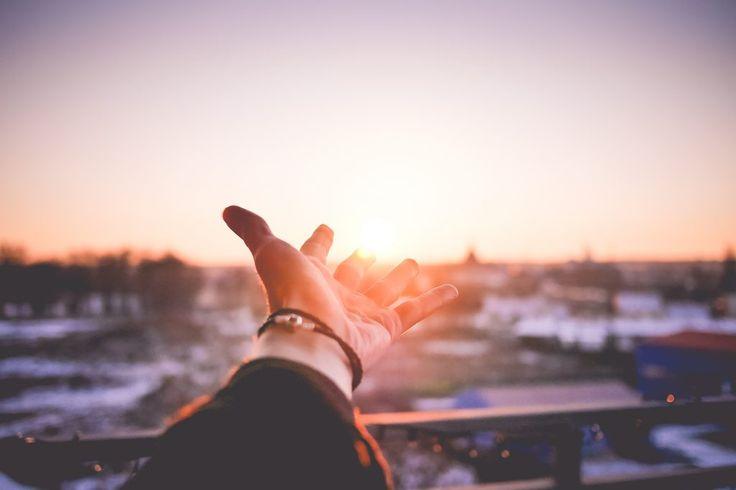 Avez-vous envie d'être moins stressé ? D'avoir un sommeil de meilleure qualité ? De vous réveiller plus facilement ? De commencer la journée de bonne humeur et en pleine forme ? Je vous propose aujourd'hui une solution assez radicale et contre-intuitive. Il s'agit de couper l'alarme de votre réveil-matin.