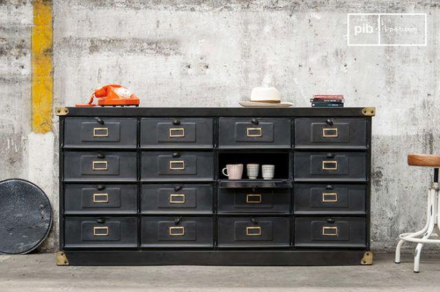 Madia in legno nero con16 cassetti. Vintage Industrial style
