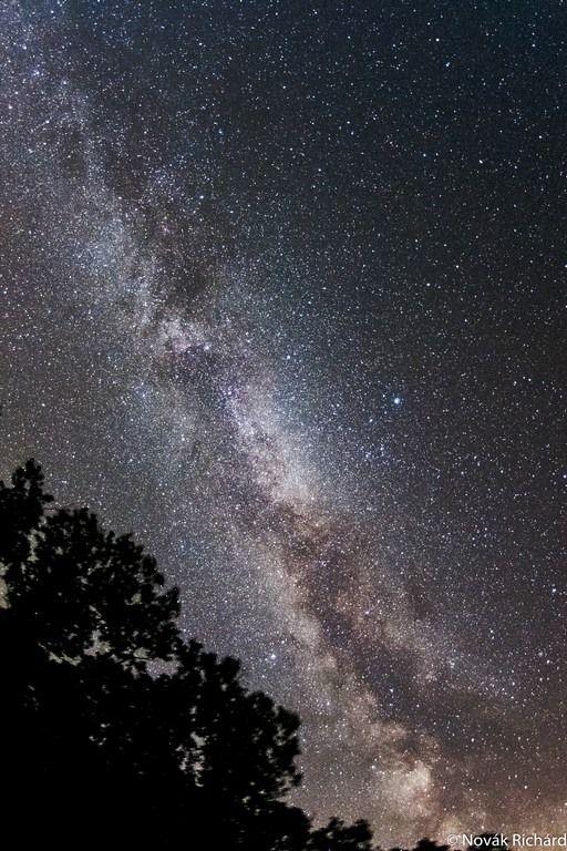 A saját galaxisunk (Tejút) látványa a Bükki Nemzeti Parkból Fotó: Novák Richárd