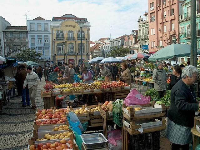 This market happens every day from 9 a.m.–1p.m. Portugal is beautiful and one eats very well there.