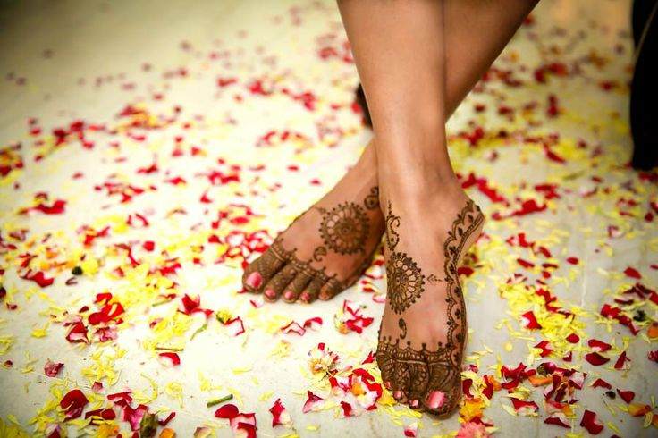 Candid Wedding Photography by www.theweddinglovestory.com #Candid #Wedding #Photography #Bangalore #India #Photographer #Prewedding #Postwedding #Candid Wedding Photography #Pre Wedding Photography #Pre Wedding Shoot #Mehendi #Make Up