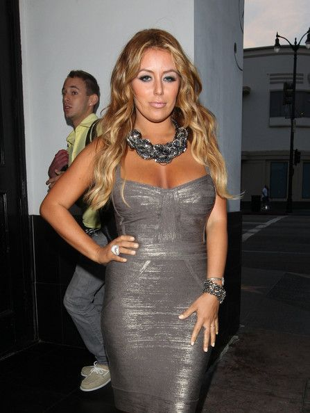 Aubrey O'Day Photos Photos - Singer Aubrey O'Day rocking a figure-hugging strapless dress at BOA steakhouse in West Hollywood. - Aubrey O'Day at BOA Steakhouse