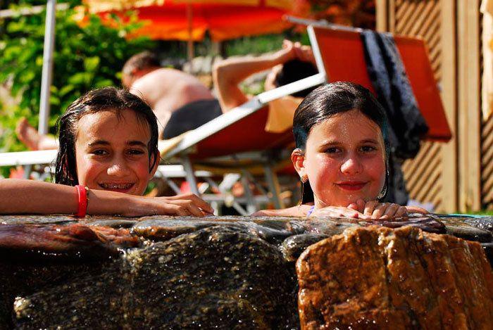 Spiel und Spaß in den Lindehof Pools...